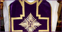 Chasuble in  purple velvet, embroidered with gold